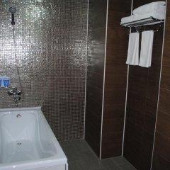 Гостиница Sweet Home Hotel Казахстан, Атырау - отзывы, цены и фото номеров - забронировать гостиницу Sweet Home Hotel онлайн ванная фото 2