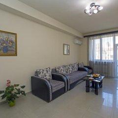 Апартаменты FlatsInYerevan - Apartments at Aram Street (New Building) комната для гостей фото 2
