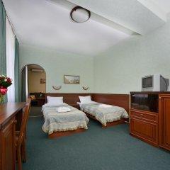 Гостиница Ярославская 3* Стандартный семейный номер с различными типами кроватей фото 5