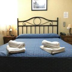Отель Hostal El Pilar Стандартный номер с двуспальной кроватью фото 35