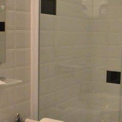 Отель Hôtel Le Canter Сомюр ванная