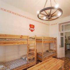 Cossacks Hostel Кровать в общем номере с двухъярусной кроватью фото 2