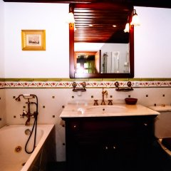 Отель Sharlopova Boutique Guest House - Sauna & Hot Tub 4* Номер Делюкс