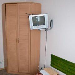 Мини-отель Привал Стандартный номер с 2 отдельными кроватями (общая ванная комната) фото 4