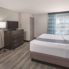 Отель La Quinta Inn & Suites Effingham 2* Люкс повышенной комфортности с различными типами кроватей фото 3