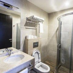 Отель Old Meidan Tbilisi Грузия, Тбилиси - 1 отзыв об отеле, цены и фото номеров - забронировать отель Old Meidan Tbilisi онлайн ванная