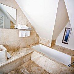 Отель Golden Crown 4* Улучшенный номер с двуспальной кроватью фото 12