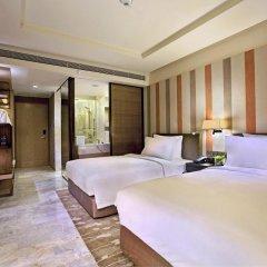 Отель Doubletree By Hilton Sukhumvit 5* Номер Делюкс фото 6