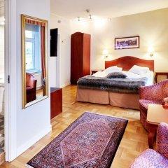 Hotel Royal 3* Улучшенный номер с двуспальной кроватью фото 5