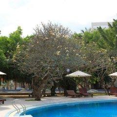 Отель Sanya Jinglilai Resort бассейн