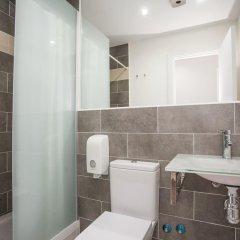Отель Hostal CC Malasaña Улучшенный номер с различными типами кроватей фото 4