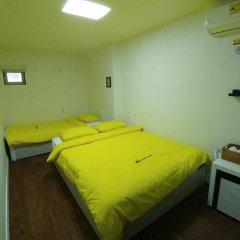 Отель 24 Guesthouse Seoul City Hall 2* Улучшенный номер с различными типами кроватей фото 4