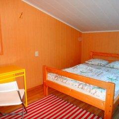 Хостел Арина Родионовна Стандартный семейный номер с двуспальной кроватью (общая ванная комната)