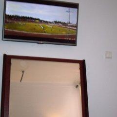 Отель Pensao Residencial Camoes 2* Стандартный номер с двуспальной кроватью фото 4