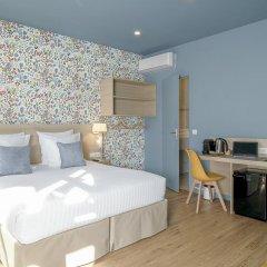 Отель Hôtel Du Centre 2* Стандартный семейный номер с двуспальной кроватью фото 7