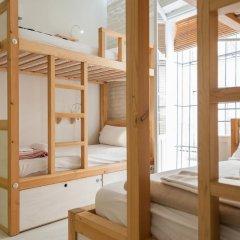 The Nomad Hostel Стандартный номер с двуспальной кроватью (общая ванная комната) фото 4