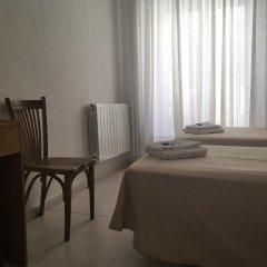 Отель Hostal Residencia Lido Стандартный номер с различными типами кроватей фото 17