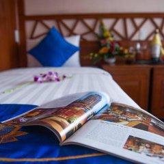 Отель Gray Line Halong Cruise 4* Номер Делюкс фото 4
