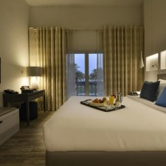 Отель Sealine Beach - a Murwab Resort 5* Номер Делюкс с различными типами кроватей фото 3