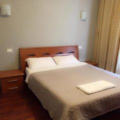 Отель Overseas Guest House Стандартный номер с двуспальной кроватью фото 6