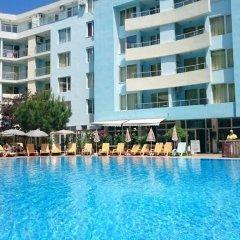 Отель Yassen VIP Apartaments бассейн фото 3