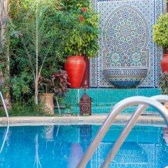 Отель Riad Alhambra бассейн