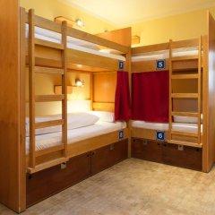 Euro Youth Hotel Munich 3* Кровать в общем номере фото 3