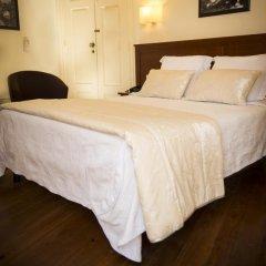 Отель Aliados 3* Улучшенный номер с двуспальной кроватью фото 23