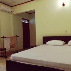 Отель Sunrise Beach Inn Шри-Ланка, Пляж Golden Mile - отзывы, цены и фото номеров - забронировать отель Sunrise Beach Inn онлайн комната для гостей фото 2