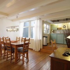 Апартаменты Authentic Jordaan Apartment в номере фото 2