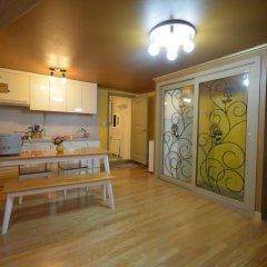 Отель Han River Guesthouse 2* Семейная студия с двуспальной кроватью фото 40