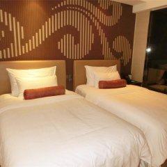 Baiyun Hotel Guangzhou 4* Номер Делюкс с различными типами кроватей фото 9