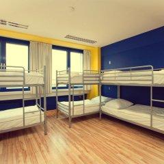 Отель Generator Berlin Prenzlauer Berg Кровать в общем номере с двухъярусной кроватью