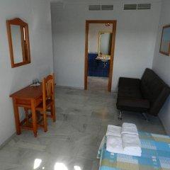 Отель Hostal El Alferez Испания, Вехер-де-ла-Фронтера - отзывы, цены и фото номеров - забронировать отель Hostal El Alferez онлайн комната для гостей фото 3