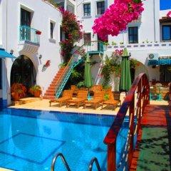 Club Pirinc Hotel бассейн