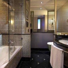 Отель Sofitel Saigon Plaza 5* Улучшенный номер с различными типами кроватей фото 4