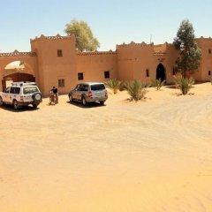 Отель Maison Adrar Merzouga Марокко, Мерзуга - отзывы, цены и фото номеров - забронировать отель Maison Adrar Merzouga онлайн парковка