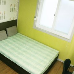 Отель Patio 59 Hongdae Guesthouse 2* Номер категории Эконом с двуспальной кроватью фото 4