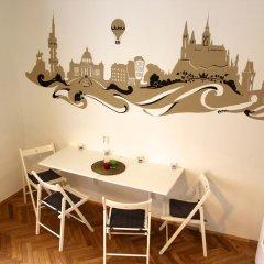 Апартаменты Bright Studio Kourimska питание