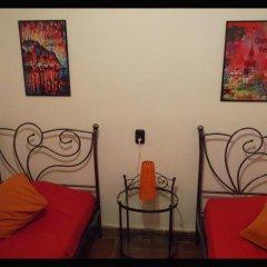 Отель Fundalucia 2* Стандартный номер с 2 отдельными кроватями (общая ванная комната)
