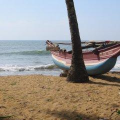 Отель Karl Holiday Bungalow Шри-Ланка, Калутара - отзывы, цены и фото номеров - забронировать отель Karl Holiday Bungalow онлайн пляж