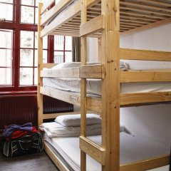 PubLove @ The Steam Engine - Hostel Кровать в общем номере с двухъярусной кроватью фото 9