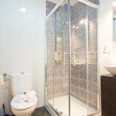 Отель Apartamentos Alejandro Барселона ванная
