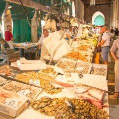 Отель Ca' dei Mercanti Италия, Венеция - отзывы, цены и фото номеров - забронировать отель Ca' dei Mercanti онлайн питание