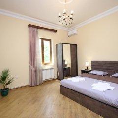 Отель Holiday Home Charenc Армения, Ереван - отзывы, цены и фото номеров - забронировать отель Holiday Home Charenc онлайн комната для гостей фото 2