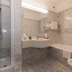 Отель IH Hotels Milano Ambasciatori 4* Улучшенный номер с различными типами кроватей фото 5
