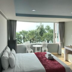 Отель The Beach Front Resort Pattaya 3* Стандартный номер с различными типами кроватей фото 2
