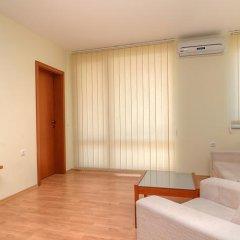 Апартаменты Crown and Imperial Fort Apartments комната для гостей
