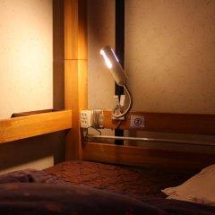 Отель K's House Tokyo Oasis Кровать в общем номере фото 6