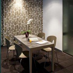 Отель Aparthotel Adagio Brussels Grand Place Бельгия, Брюссель - 14 отзывов об отеле, цены и фото номеров - забронировать отель Aparthotel Adagio Brussels Grand Place онлайн питание фото 3